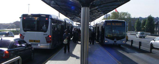 İstanbul'un metrobüs projesi Pakistan'da