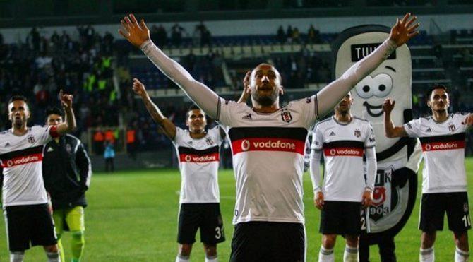 Beşiktaş 2-1 Karabükspor maç özeti : Cenk, Beşiktaş'ı zirveye uçurdu!