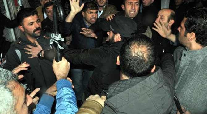 AKP'liler esnafla kavga etti