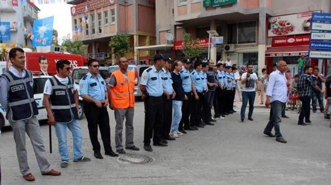 AKP bürosuna saldırı