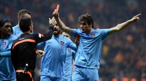 Galatasaray Trabzonspor Maç Özeti İzle - Salih Dursun hakeme kırmızı kart gösterdi!