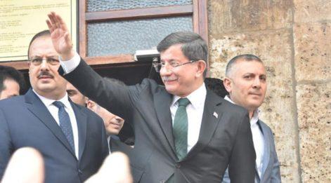 Davutoğlu'na Konya'da yoğun ilgi!