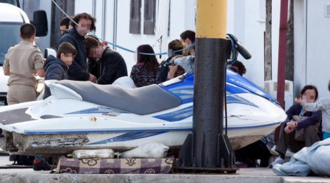 FETÖ şüphelileri, aileleriyle İstanköy Adası'na kaçmak isterken yakalandı