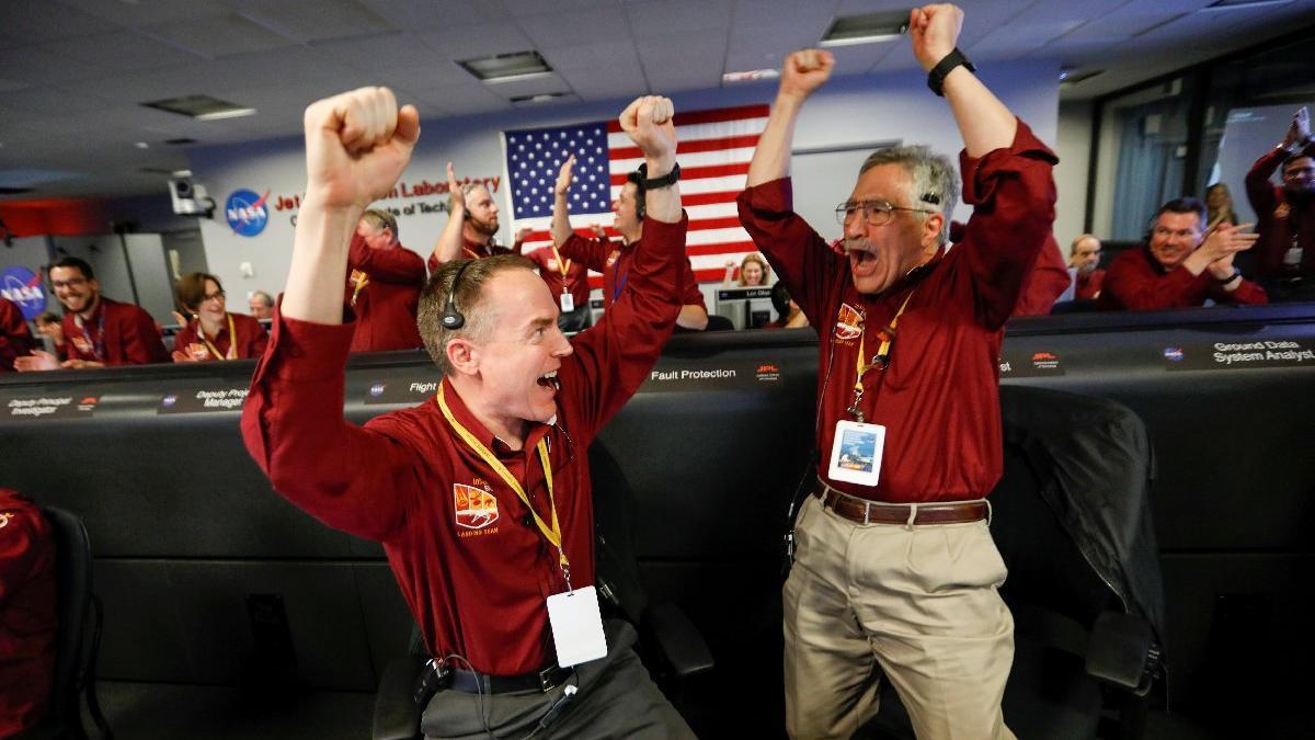 NASA için küçük insanlık için büyük bir adım