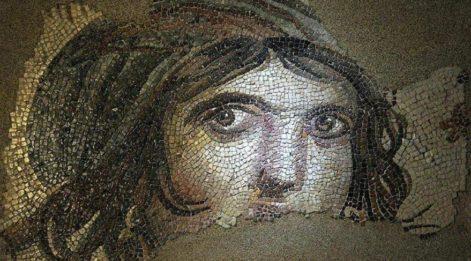 Zeugma Çingene Kızı mozağinin parçaları Türkiye'de
