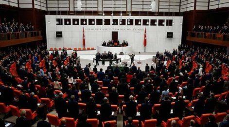 Şener'den AKP'lilere: Bana minnet borcunuz var, ben olmasam olmazdınız!