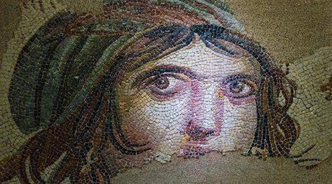 'Çingene Kızı': ABD'den Türkiye'ye geri getirilen tarihi mozaik parçalarının hikayesi ne?
