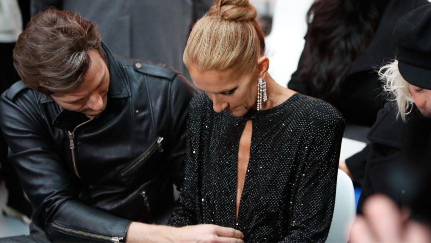 Celine Dion'un dekoltesi moda haftasına damga vurdu