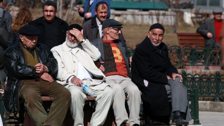 EYT'de son durum: Emeklilikte yaşa takılanlar ile ilgili yeni gelişme var mı?