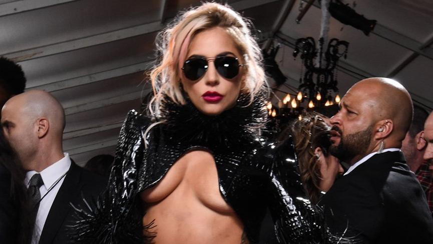 Lady Gaga Türk tasarımcı tercih etti