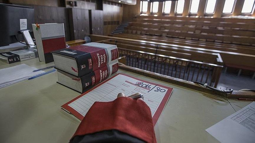 """""""Usulsüz dinleme"""" davasında eski polise 126 yıl hapis cezası"""