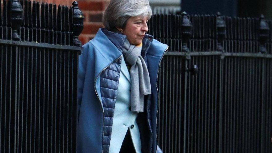 Gözler İngiltere'de… Başbakan May, B planını açıklayacak