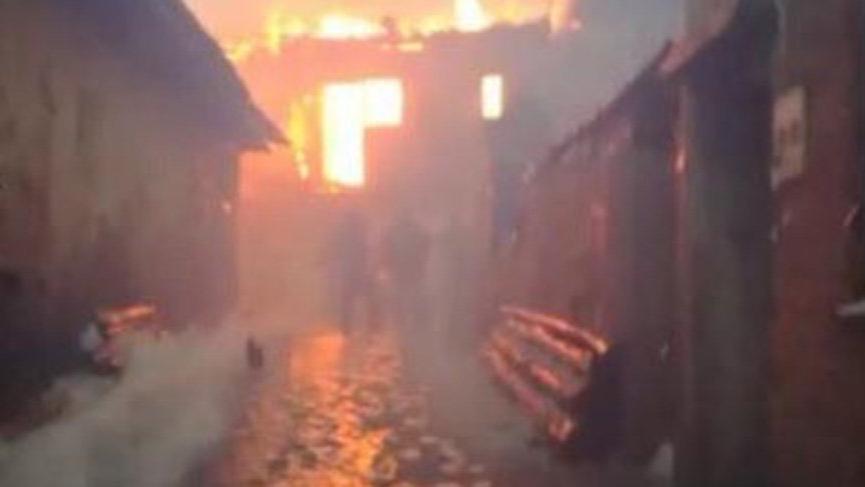 Yangında kızını evden çıkardı, kurtarmak istediği oğluyla birlikte öldü