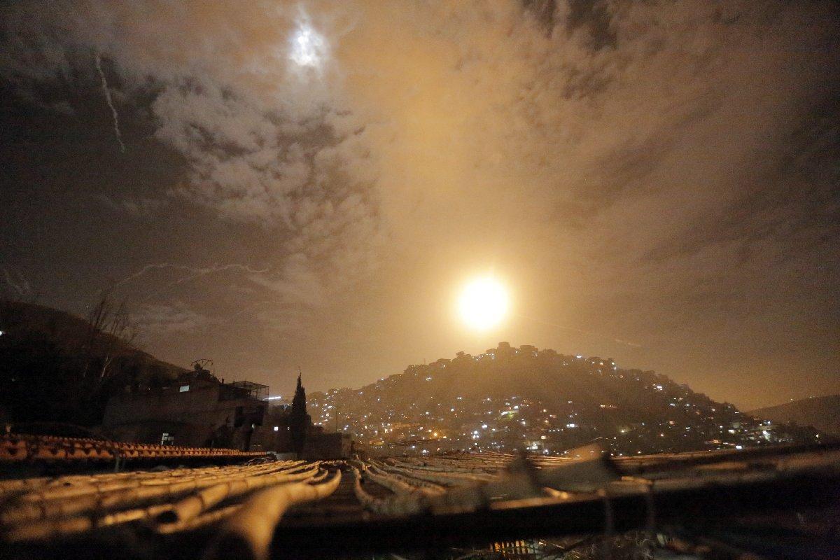 Suriye tarafından yapılan açıklamada, İsrail'in füzelerinin etkisiz hale getirildiği belirtildi.