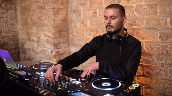Pera'da DJ geceleri