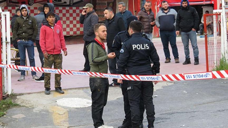 İstanbul'da silahlı saldırı! Kanlar içinde yere yığıldılar