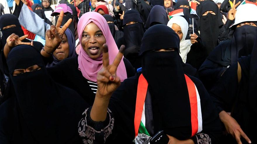 Sudan'da üst düzey yetkililer cezaevine gönderildi