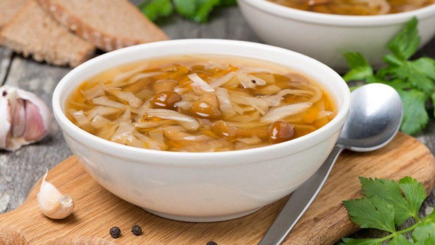 Şifa kaynağı erişte çorbası nasıl yapılır? İşte erişte çorbası tarifi…