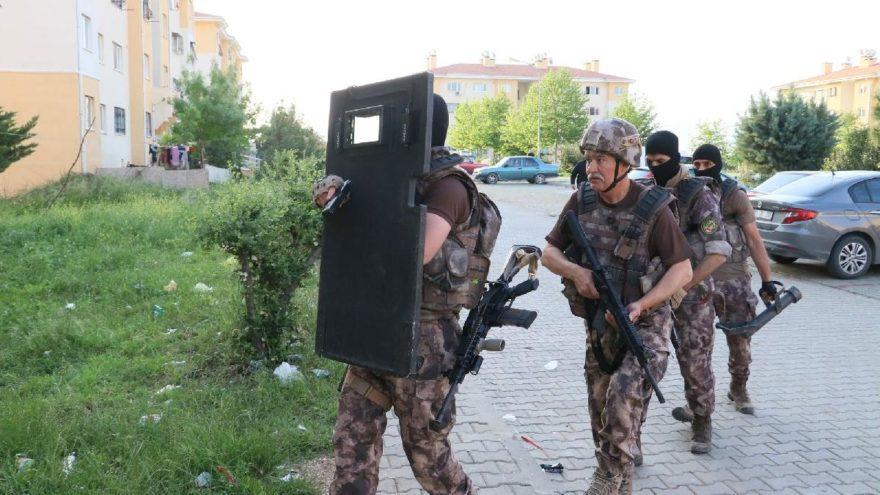 Adana ve Şanlıurfa'da terör operasyonu