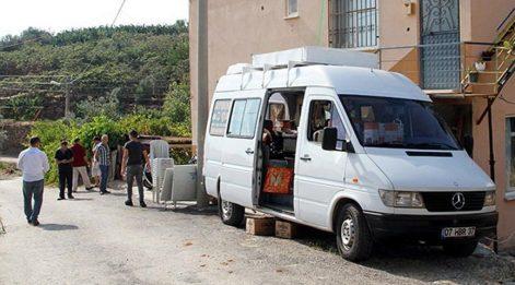 Antalya'da vahşet! Eşini 14 yerinden bıçaklayıp, öldürdü