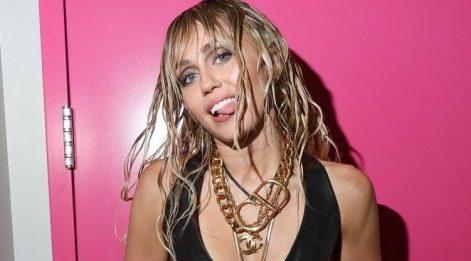 Miley Cyrus, Cody Simpson ile birlikteliğini kabul etti
