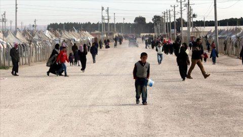Suriyeliler denklik diplomaları alıp üniversiteye giriyor