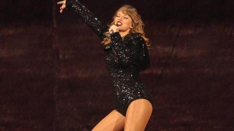 Taylor Swift 185 milyon dolar kazancıyla en çok kazanan şarkıcı oldu