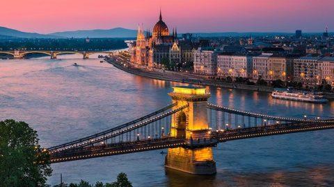 Tuna Nehri'nin muhteşem gerdanlığı: Zincir Köprü