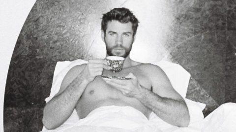 Liam Hemsworth karantina günlerinde yataktan paylaştı