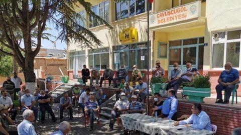 AKP'li vekile kendi köyünde şok tepki: Memlekette satmadık yer bırakmadınız, bitirdiniz!
