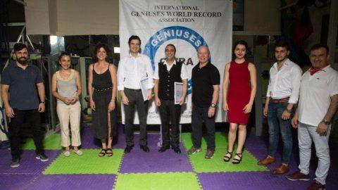 Türk piyanistten dünya rekoru