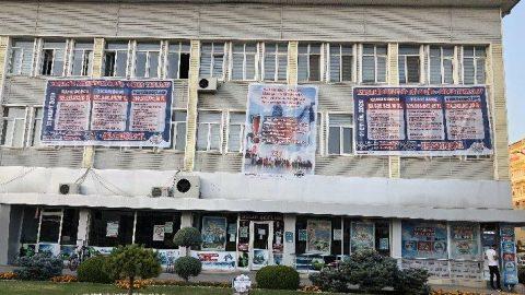 CHP'li başkan gelir gider tablosunu belediyeye astı