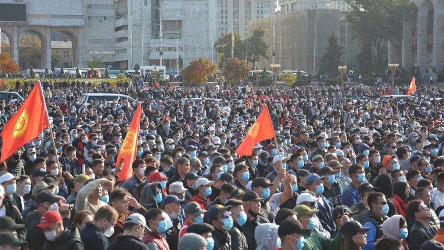 Kırgızistan seçim sonrası karıştı
