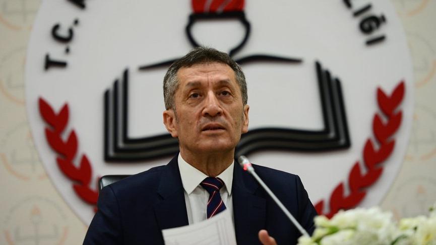 Milli Eğitim Bakanı Ziya Selçuk'tan velilere uyarı