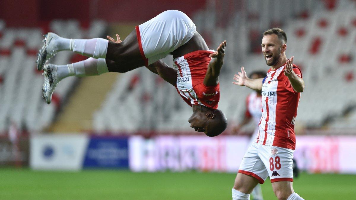 Antalyaspor Yeni Malatyaspor maçında önce takla sonra... 7 dakikalık maç