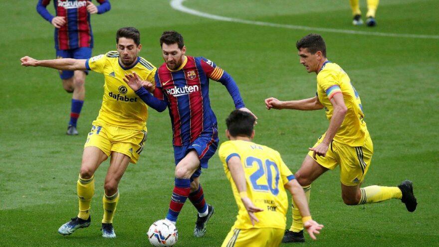 Barcelona yara aldı, Messi bir rekor daha kırdı