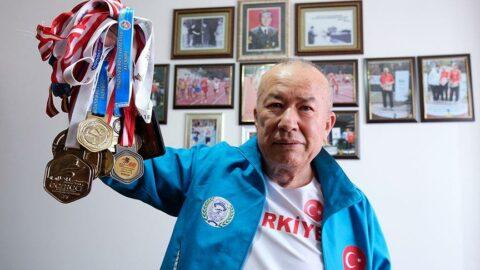 72 yaşındaki emekli astsubay atletizmde Türkiye rekorları kırıyor