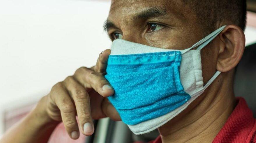 'Çift maske kullanımı mekanik akneyi tetikliyor'