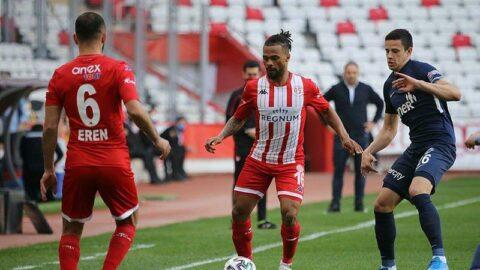 Antalyaspor Kasımpaşa'ya da kaybetmedi! Yenilmezlik serisi 13 maç...