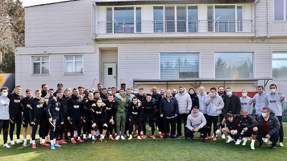 Galatasaray'da sözleşmesi feshedilen Younes Belhanda'dan paylaşım