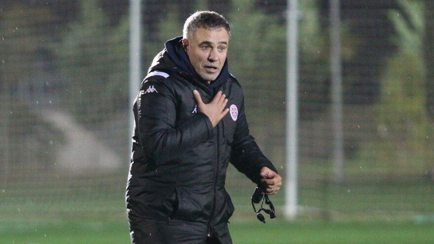 Ersun Yanal: 'Hakemin tutumundan kaynaklanan takıntımız bizi oyun dışına çekti'