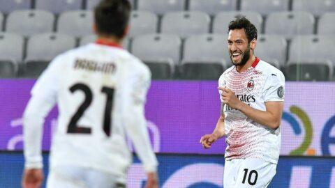 Milan, yine Hakan Çalhanoğlu ile uçtu! 5 gollü maçta 3 puan...