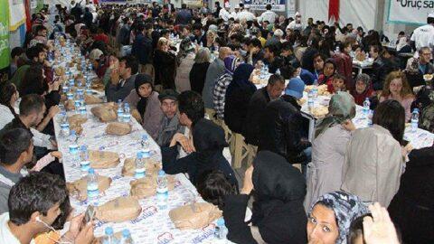 Sağlık Bakanlığı'ndan 'kalabalık iftar' uyarısı