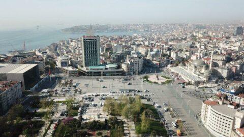 1 Mayıs otoparkı: Taksim Meydanı'nda işçiden çok polis ve parkedilmiş otomobiller var