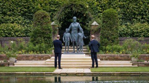 Prenses Diana'nın heykeli Londra'da açıldı
