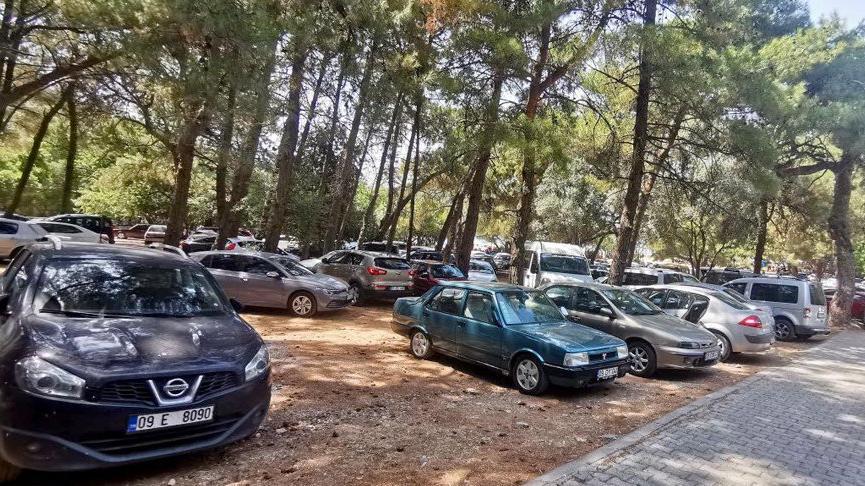 Turizm kentinde aşırı yoğunluk! Milli Park araç girişine kapatıldı
