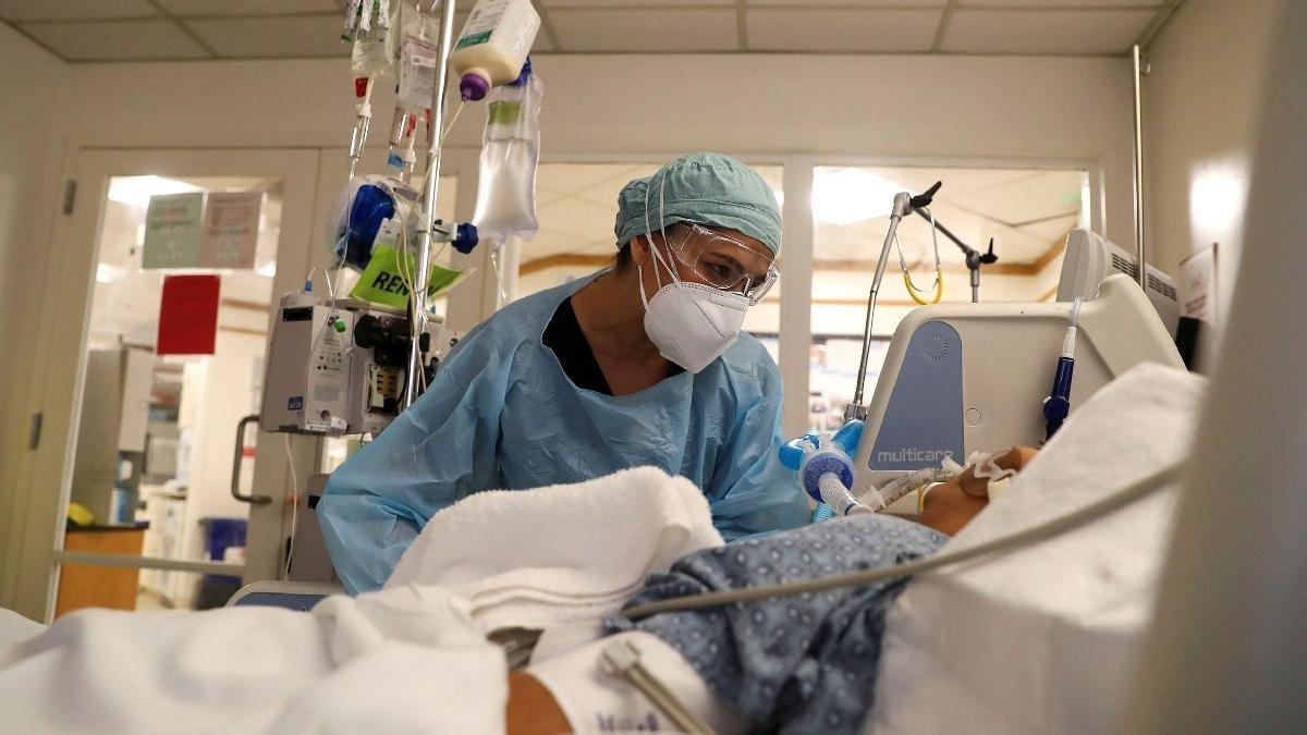 Covid hastanesi başhekimi: 'Yatan 10 hastanın 9'u aşısız, tek çare aşı'