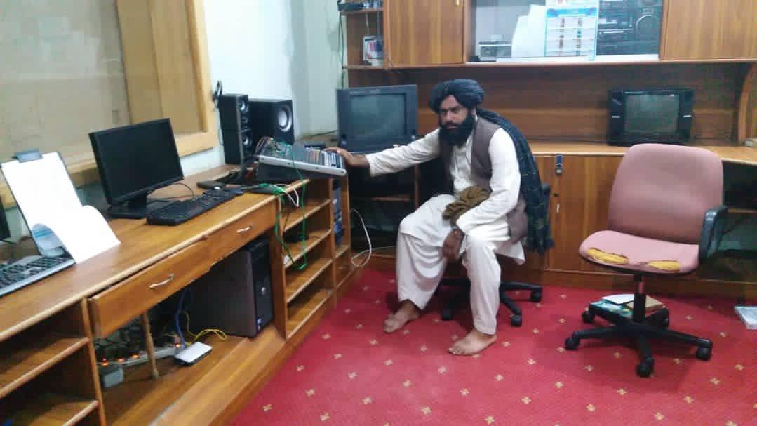 Taliban, Afganistan'da Ulusal Radyo ve Televizyon binasını ele geçirdi