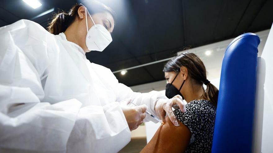 Üçüncü doz Pfizer/BioNTech aşısının yan etkisi daha az