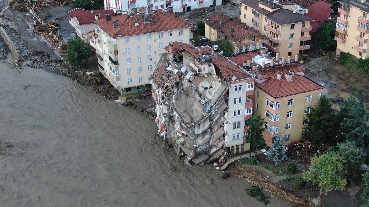 Sel felaketinde bilançosu: 17 can kaybı